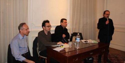 De gauche à droite Monsieur Dimitri Uzunidis, Monsieur Stathis Kouvelakis, Monsieur Cédric Durand et Monsieur Nikos Prantzos