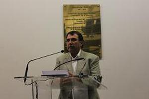 Le president Georges Papastefanakis introduisant la séance